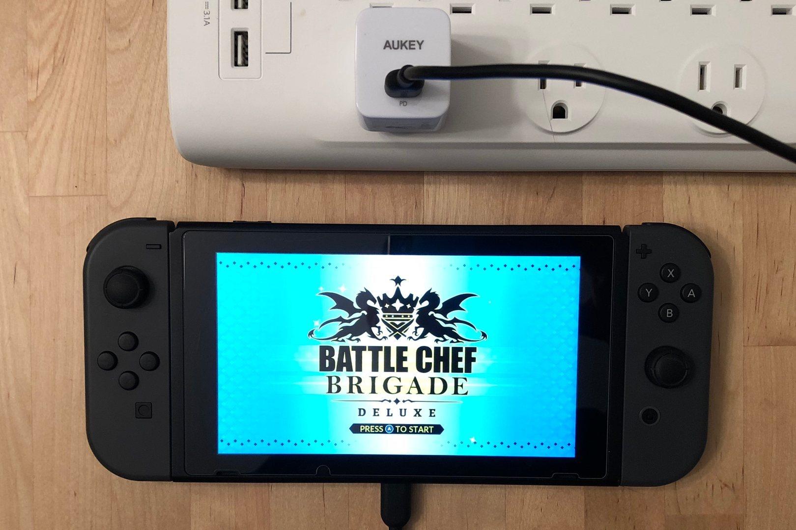 AUKEY PA-Y18 con interruptor de Nintendo
