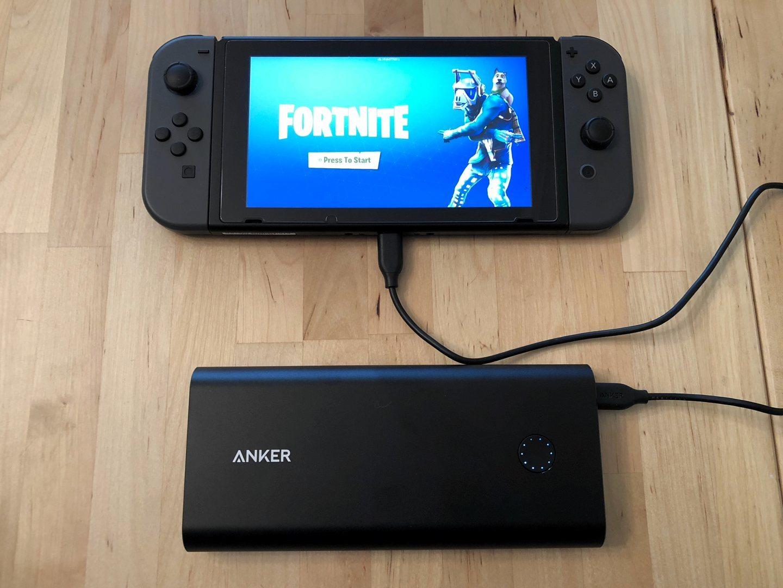 Anker PowerCore + 26800 PD con Nintendo Switch.