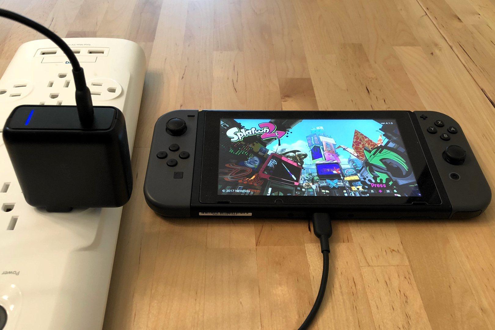 Anker PowerPort Speed 1 USB-C con interruptor Nintendo. Cable no incluido.