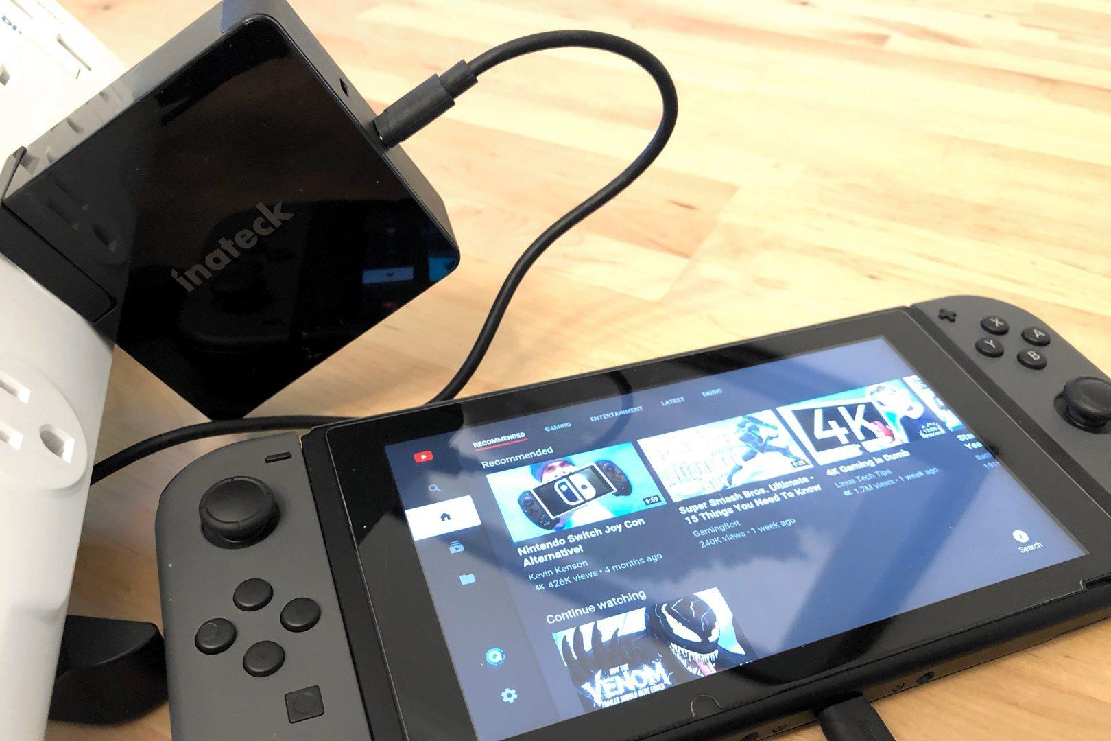 Cargador Inateck 60W PD con puertos dobles USB-C con interruptor Nintendo.