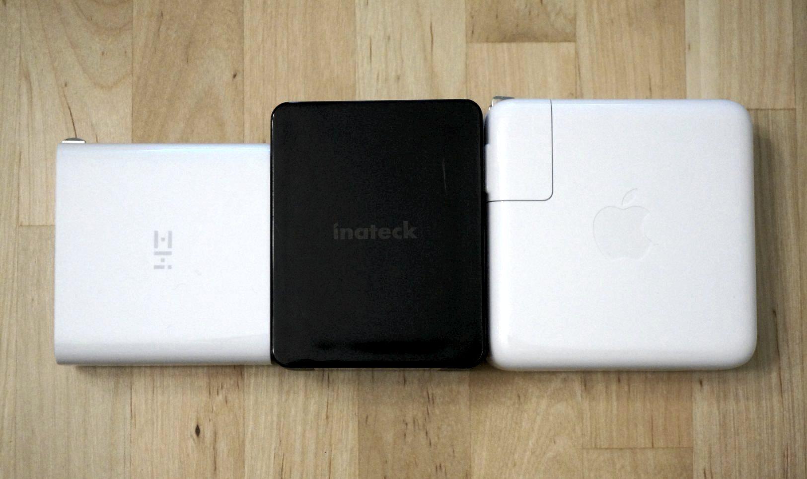 De izquierda a derecha: ZMi PowerPlug Turbo, Inatech 60W y Apple 61W